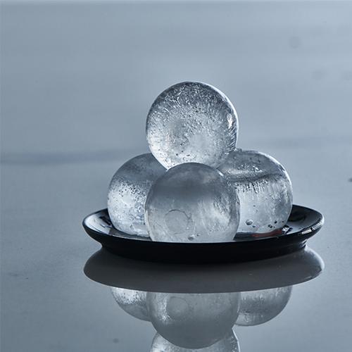 ICE FORMER Kugel Ø3cm schwarz transparent