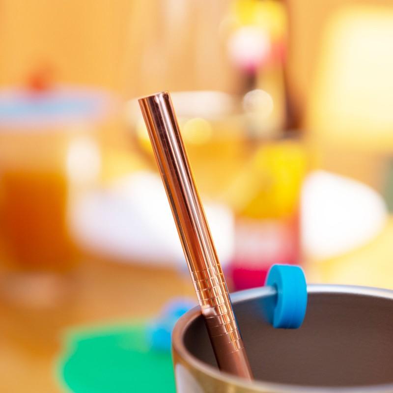 Trinkhalme aus Edelstahl in verschiedenen Farben und Formen