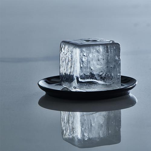ICE FORMER Würfel 5x5cm schwarz transparent