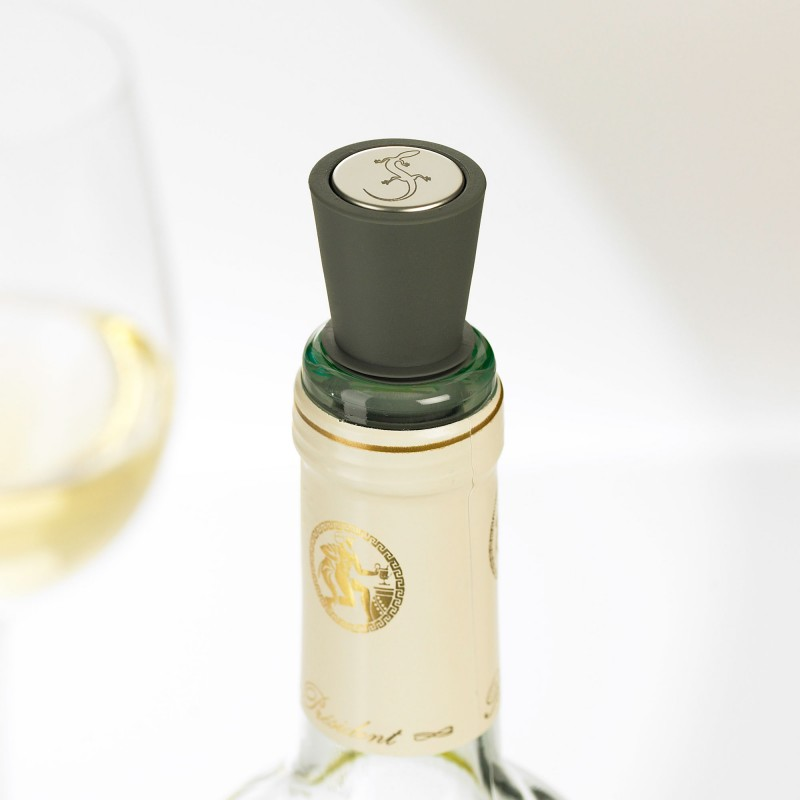 Flaschenstopfen aus TPE in drei verschiedenen Farben