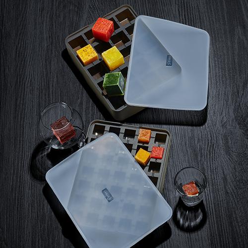 media/image/Lurch_ice-cubes-trays_frozen-juice-cubesPNEDDmrOZyO2G.png