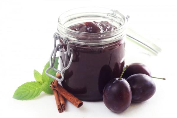 Pflaumenentsteiner cremeweiß/aubergine