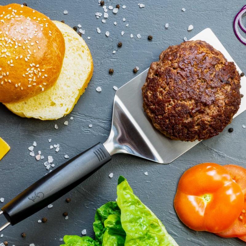 Winkelpalette zum Grillen und Braten von Burgerpatties auf dem Grill und in unbeschichteten Pfannen