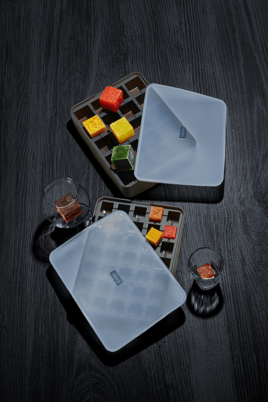 media/image/Lurch_ice-cubes-trays_frozen-juice-cubes-compressorkegJ7fOYOIQfY.png